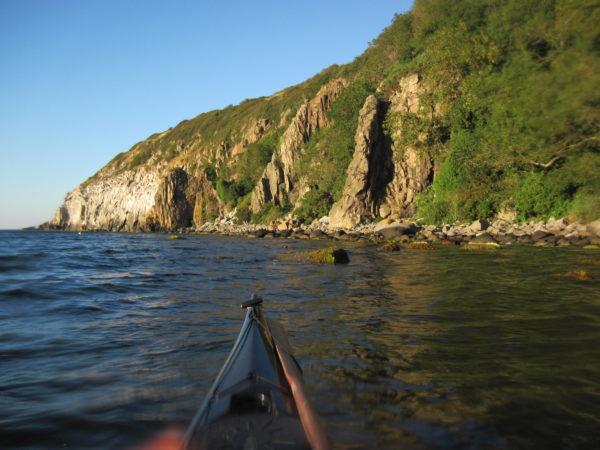Heldagstur med guide, i havkajak på Bornholm
